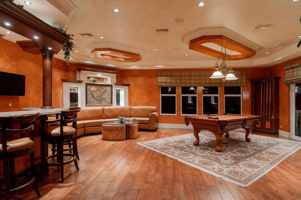 Dřevěná podlaha v hrací místnosti